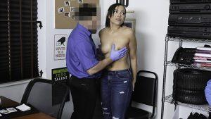 ดูหนังโป๊ออนไลน์ Porn xxx Jav Av SHOPLYFTER – THICK EBONY TEEN GETS FRISKED AND FUCKED BY MALL COPหใหญ่