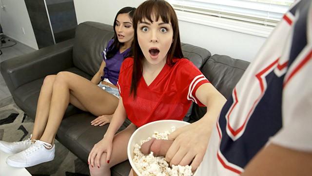 ดูหนังโป๊ออนไลน์ I'M TRYING TO WATCH THE GAME FUCK OFF! SUPER BOWL SUNDAY THREESOME