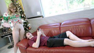 ดูหนังโป๊ออนไลน์ Porn xxx Jav Av Step Mom gives up her Body for Christmas – Cory Chaseหนัง AV มาใหม่